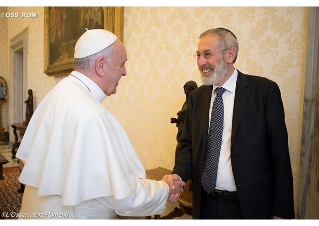 Il papa chiede aiuto al rabbino  L'incontro a Roma tra un papa e un rabbino  di Marcello Cicchese