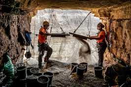 Archeologia in Israele, storica scoperta: in una grotta antichi frammenti biblici
